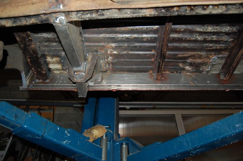 Restauration du combi Split 65 - Page 3 Visite16