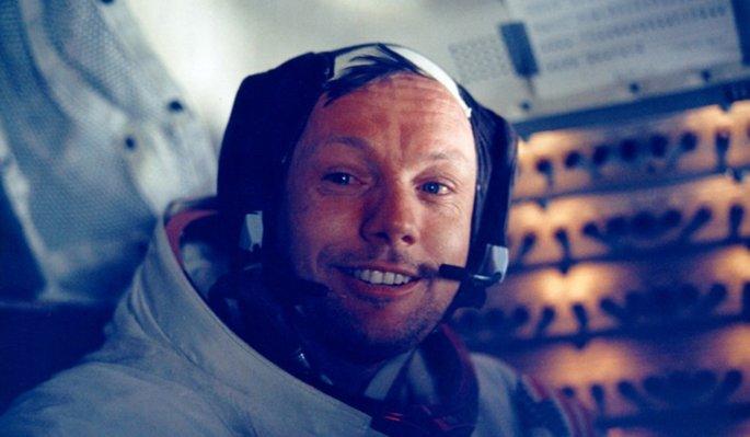 « L'homme qui n'a jamais marché sur la lune » Neil-a10
