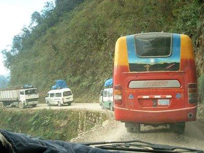 Les routes les plus dangereuses du monde.... 29505210
