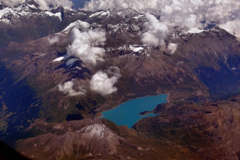 La chaine des Alpes en avion (nouvelles photos) P1060411