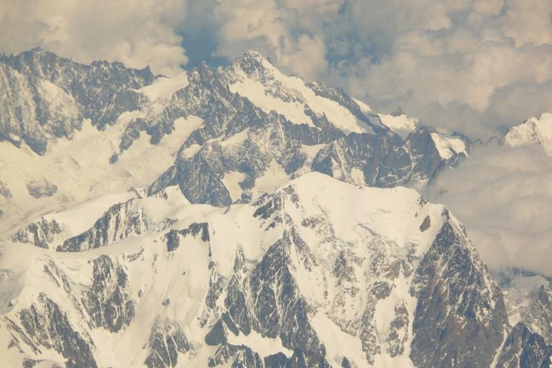 La chaine des Alpes en avion (nouvelles photos) P1060412