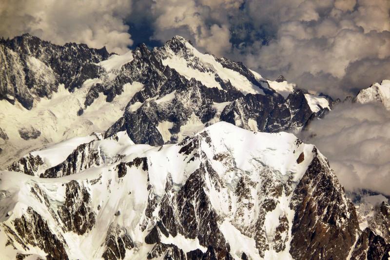 La chaine des Alpes en avion (nouvelles photos) P1060413