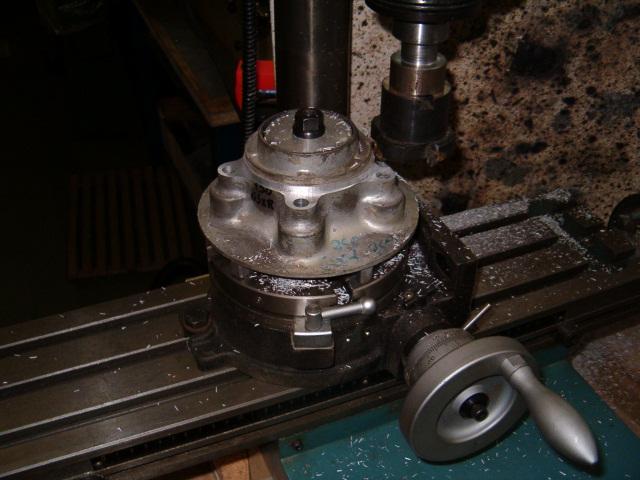 BEAU GOMMARD POUR VRAIE MACHINE DE COURSE Hpim4910