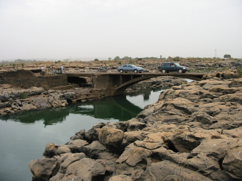 [MALI] - Le 3ème pont à Bamako : une histoire d'influence 12491210