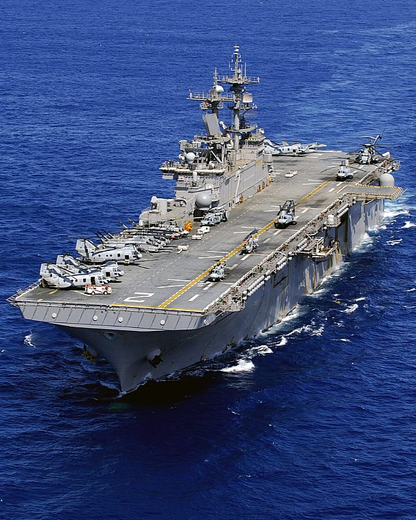 Amphibious assault ship (LHA - LHD - LPD) Web_0812