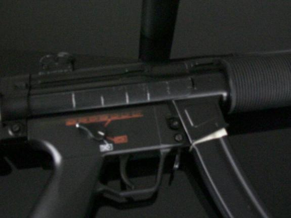 [Review] Jing Gong M5S6 - le mp5sd6 Chinois Carcas10