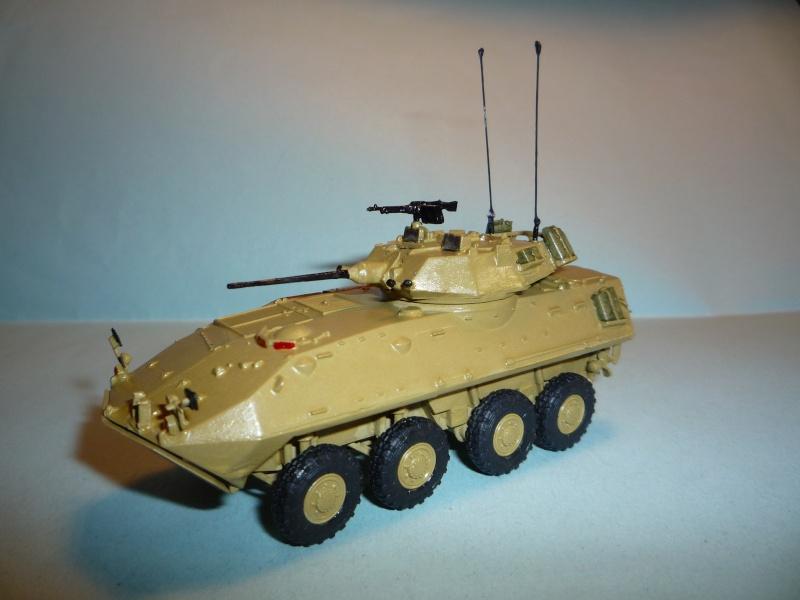 Stryker m1126 1/72 academy P1050923