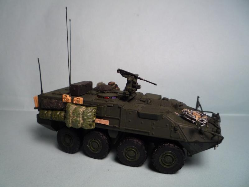 Stryker m1126 1/72 academy P1050938