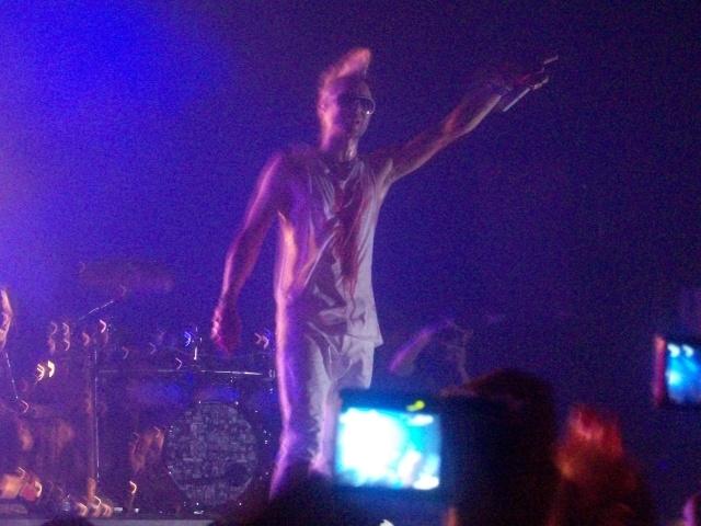 [Toulouse] Photos et vidéos du concert  100_1017