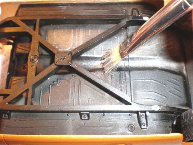 Faire un brossé a sec alu sur un châssis (dry-brush) Mercur14