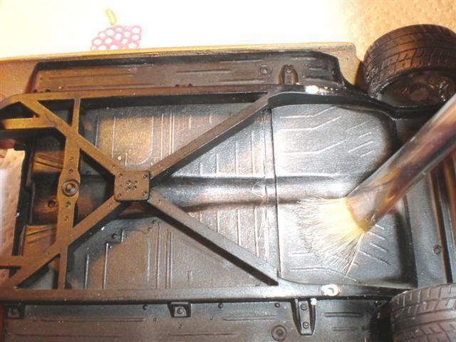 Faire un brossé a sec alu sur un châssis (dry-brush) Mercur16