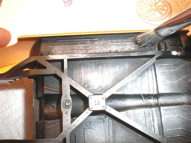 Faire un brossé a sec alu sur un châssis (dry-brush) Mercur19