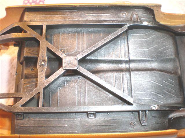 Faire un brossé a sec alu sur un châssis (dry-brush) Mercur20