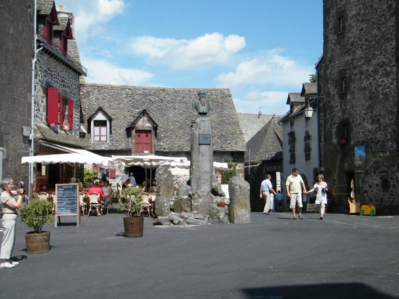 Villes et villages de charme du Cantal Dscf6310