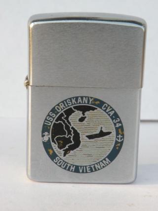 Zippos de navires US Navy ayant fait le Vietnam Vietna11