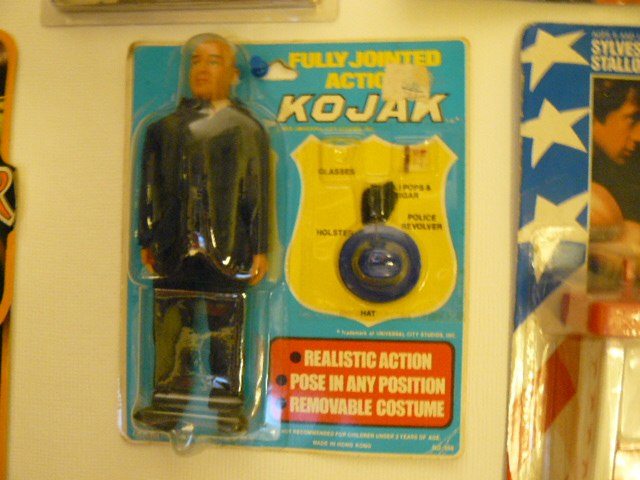 MEGO : poupées, figurines et le reste... P1100610