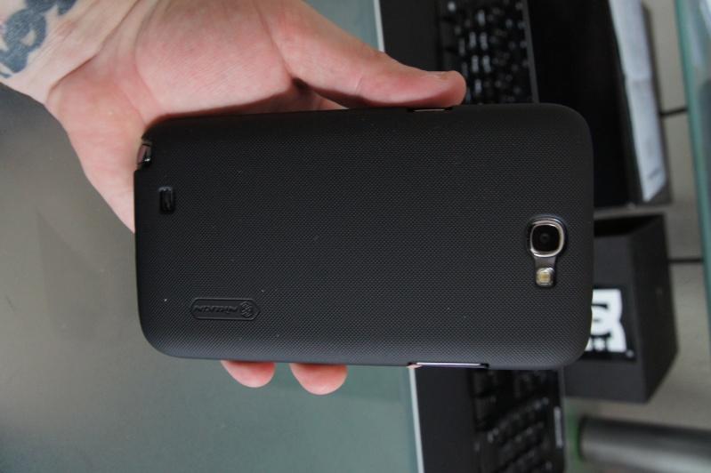 [ACCESSOIRE] coque Nillkin Matter Hard Cover Case +LCD Guard For Samsung Galaxy Note II 2 N7100 Dsc00414
