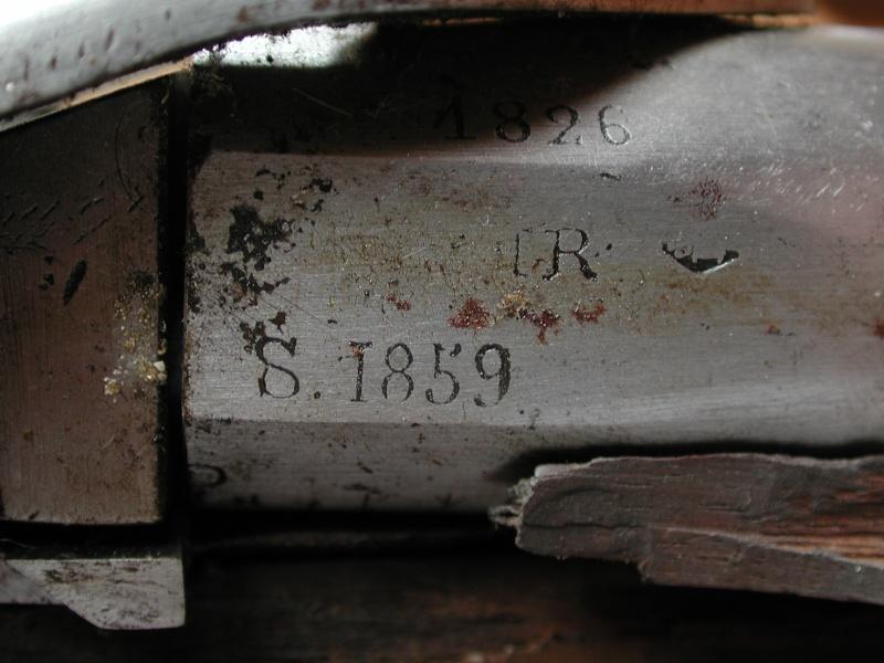 un 1822 Tbis un peu ............ très spécial . Dscn6914