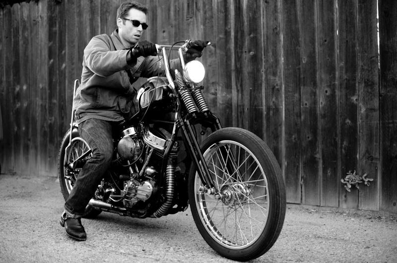 Ils ont posé avec une Harley - Page 37 83032910