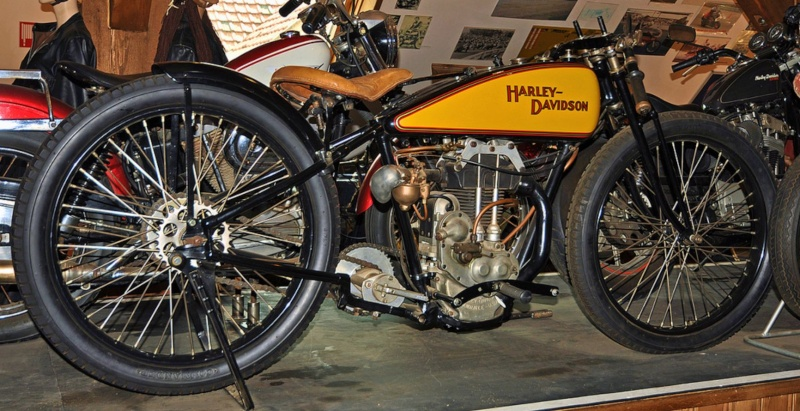 Harley-Davidson – Peashooter - 21.35ci (350 cc)  - Page 20 Museum10