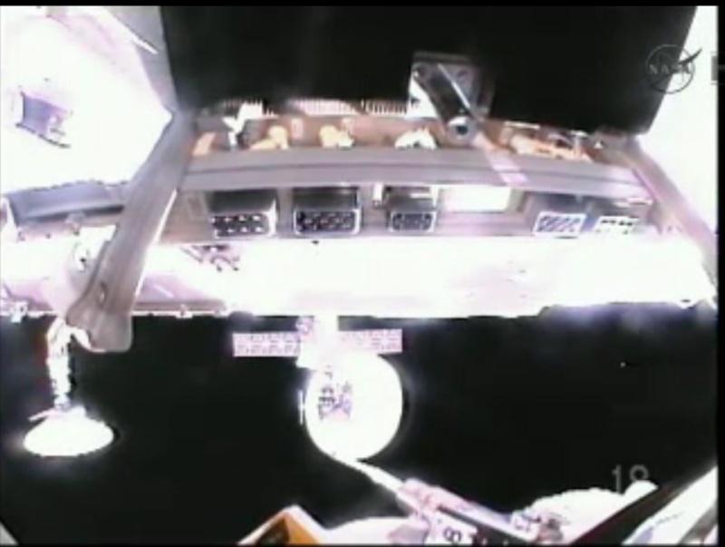 ISS: US-EVA#19 - Opération de secours sur MBSU-1 (05.09.12) - Page 2 Sans_t21