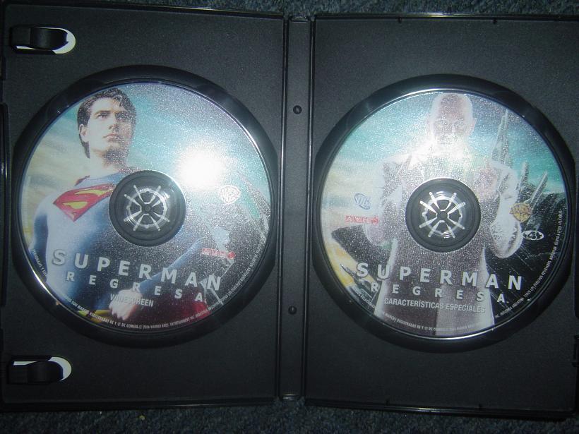 Mi DVD de Superman Returns Dsc05810