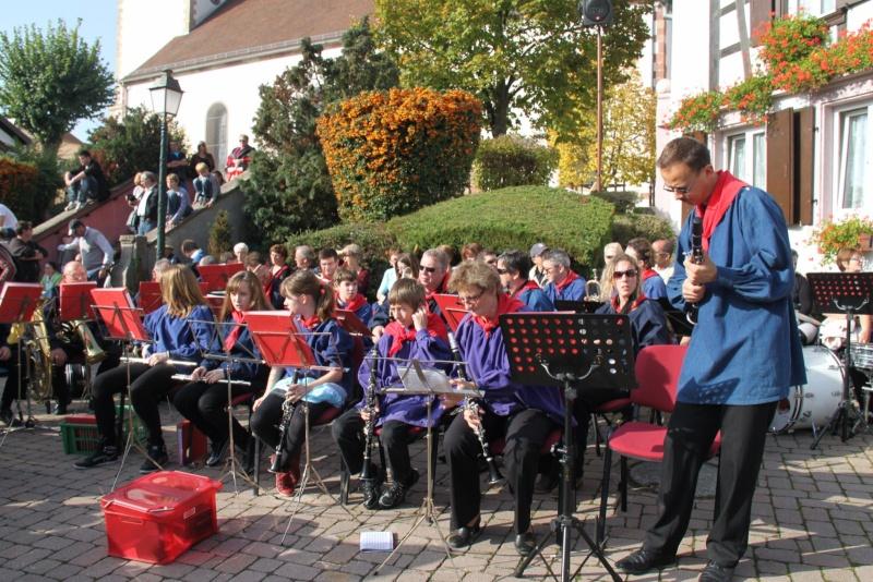 La Musique Harmonie de Wangen à la fête des vendanges de Marlenheim le 21 octobre 2012 Fate_d56