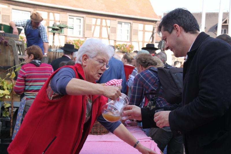 La Musique Harmonie de Wangen à la fête des vendanges de Marlenheim le 21 octobre 2012 Fate_d66