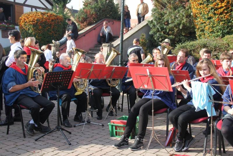 La Musique Harmonie de Wangen à la fête des vendanges de Marlenheim le 21 octobre 2012 Fate_d71