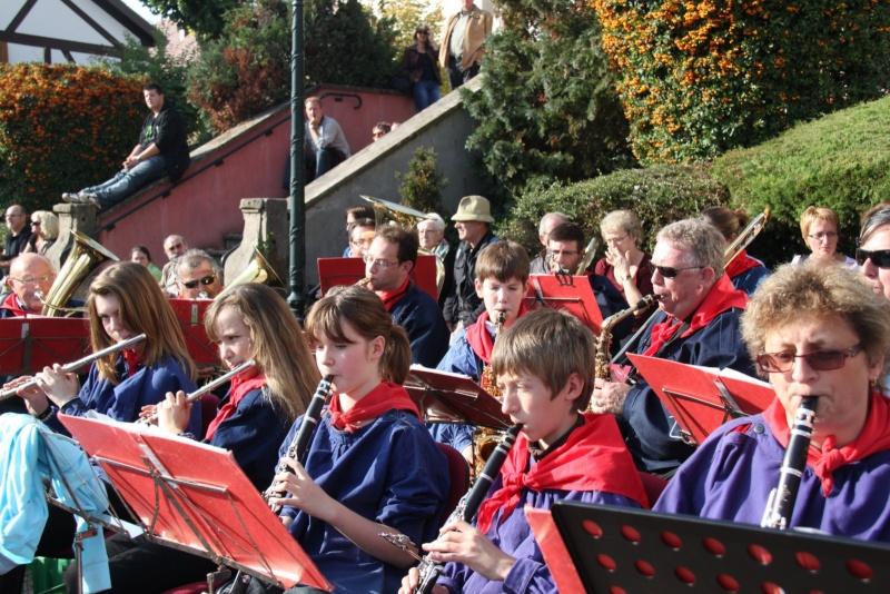 La Musique Harmonie de Wangen à la fête des vendanges de Marlenheim le 21 octobre 2012 Fate_d72
