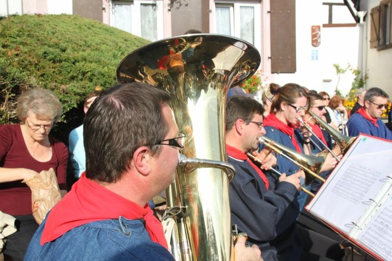 La Musique Harmonie de Wangen à la fête des vendanges de Marlenheim le 21 octobre 2012 Fate_d85