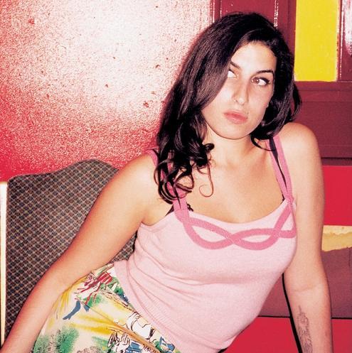 Amy no fundo do poço... Amy310