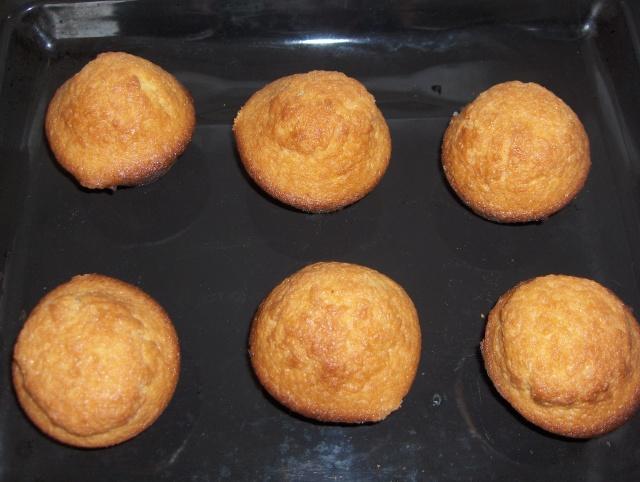 Dis donc mon coco, t'aurais pas vu les muffins? Hpim2011