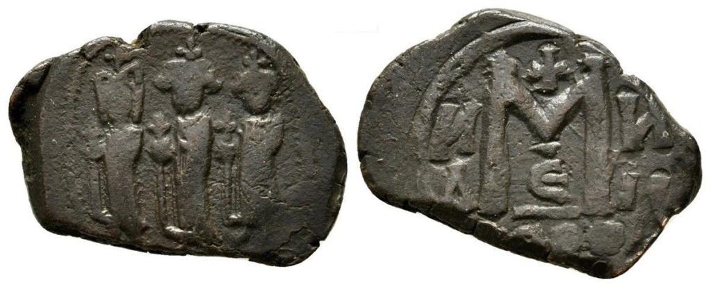 40 nummi de época de Haraclio. Acuñación sasánida Heracl10