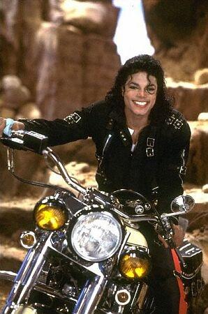 [SONDAGGIO] Qual è il Michael che vi piace di più? Motoro10