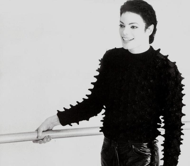 [SONDAGGIO] Qual è il Michael che vi piace di più? Sdfhz10