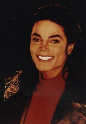 [SONDAGGIO] Qual è il Michael che vi piace di più? Y1ps6710