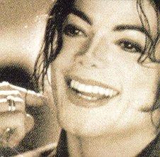 [SONDAGGIO] Qual è il Michael che vi piace di più? Y1pz4a10