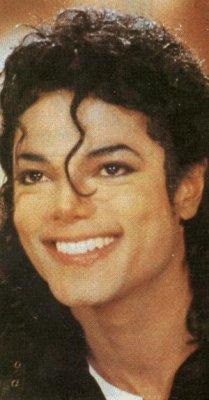 [SONDAGGIO] Qual è il Michael che vi piace di più? Y1pzqd10