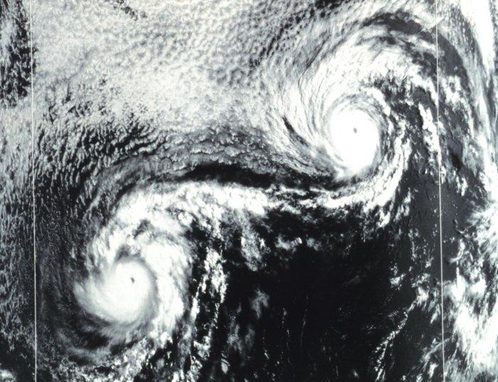 Cyclones / Typhon / Ouragan Effetf10