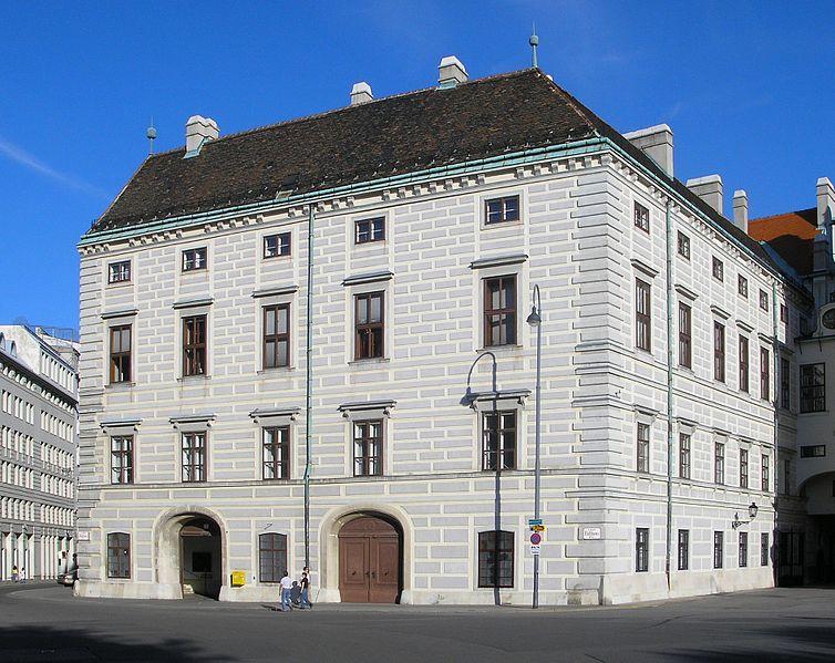 Vienne, la Hofburg 754px-10