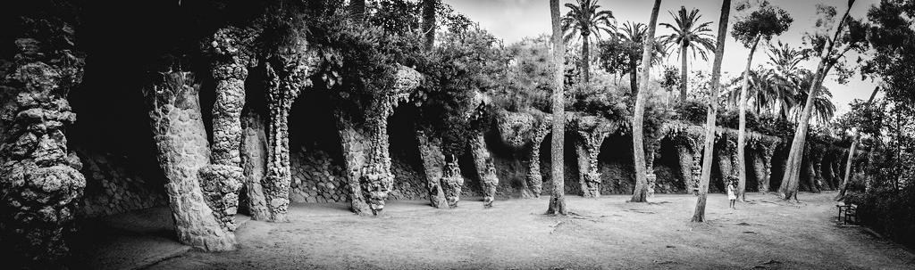 """Les """"cavernes"""" du Park Güell...+ nouvelle version 30868910"""