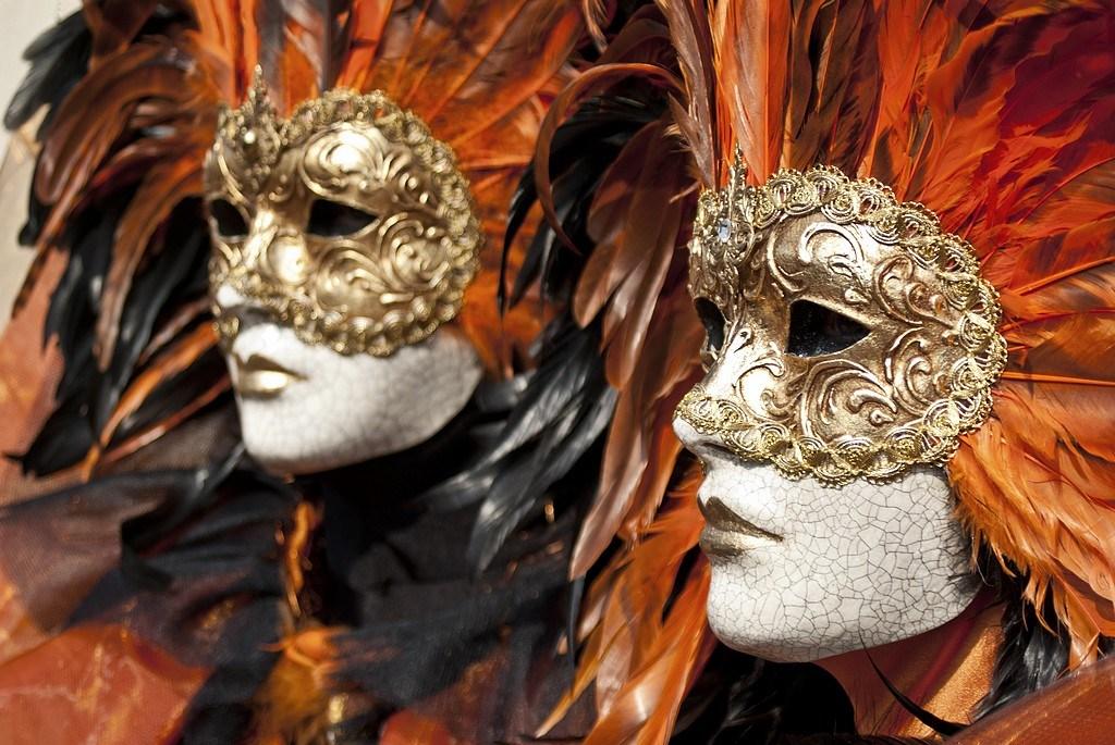 Carnaval Vénitien ANNECY  Orange10