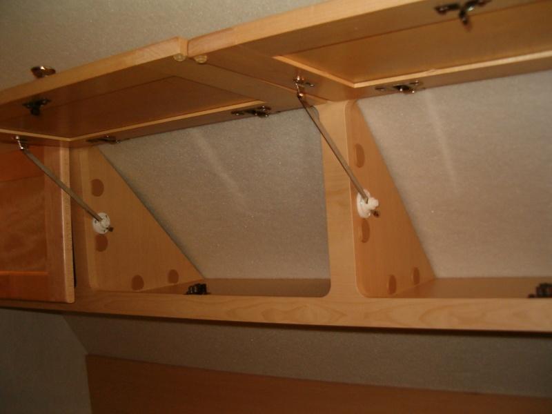 Portes d'armoire au desssu du lit Hpim2011