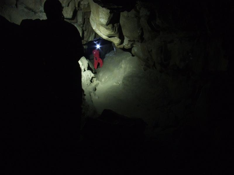 Ogof Hen Ffynnonau (Poachers Cave) Dscf1013