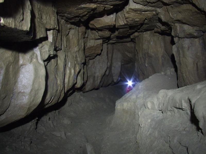 Ogof Hen Ffynnonau (Poachers Cave) Dscf1014