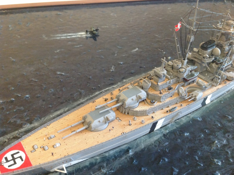 Bismarck 1/700 Dragon par Denis Img_0114