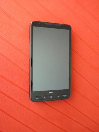 [VENDU] HTC HD2 SFR - GARANTIE 2 ANS - PACKAGE COMPLET P1010311