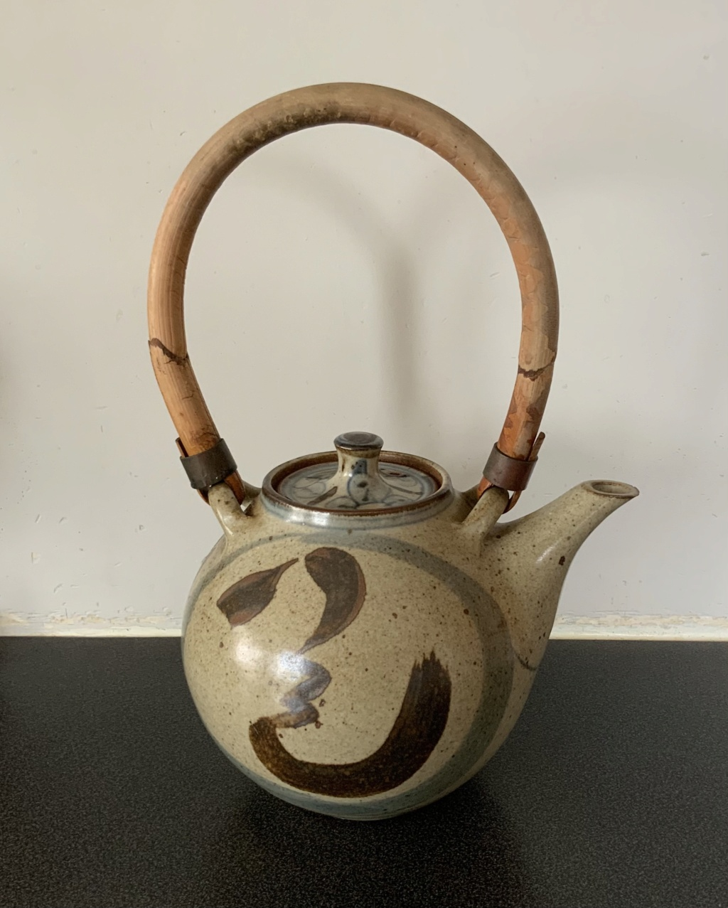 Large Teapot Help to Identify Potter 6cd26710