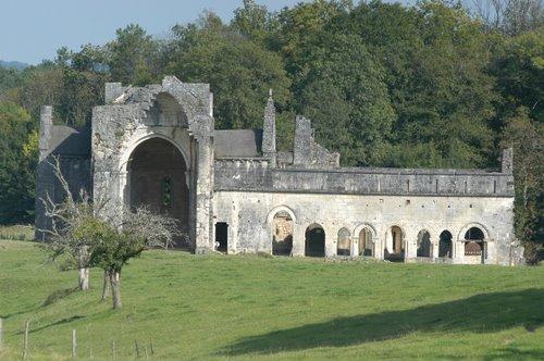 Ruines d'édifices religieux - Page 4 29255310